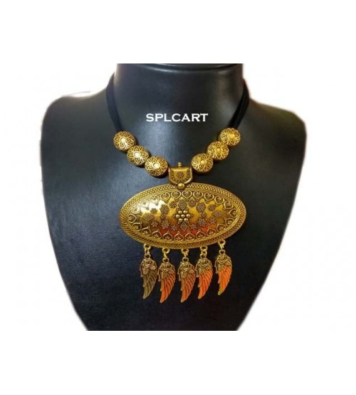 Splcart Cotton Dori With Antique Ovel Pendant Neckset (Black)