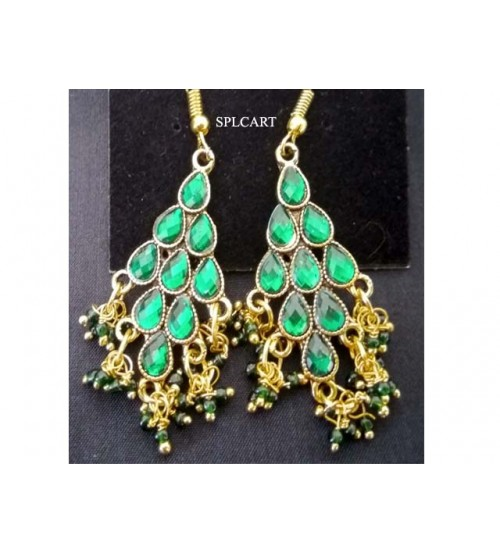 DIAMOND SHAPE EARRINGS WITH GREEN STONE AND LOREALS