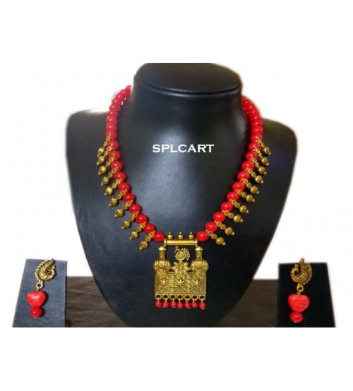 Splcart Glass Beads With Antique Pendant Neckset (Red)