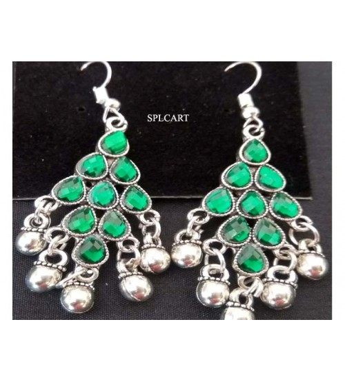 SILVER DIAMOND SHAPE EARRINGS WITH GREEN STONES AND GUNGROO